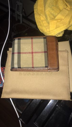 Burberry wallet for Sale in Port Neches, TX