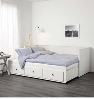Hemnes day bed with 3 drawers for Sale in Redmond, WA