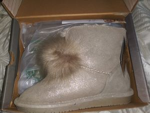 Bearpaw womens boots size 8 for Sale in Washington, DC