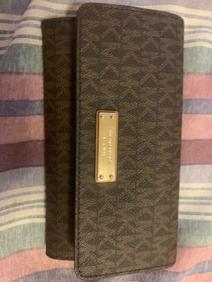 Michael Kors wallet for Sale in Livermore, CA