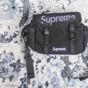 SUPREME WAIST BAG 20SS for Sale in Miami, FL