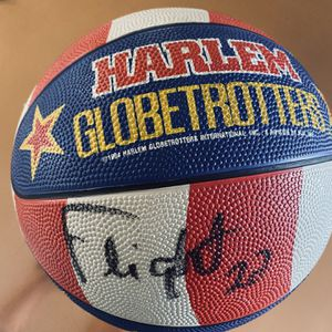 Harlem Globe Trotter Basket Ball for Sale in Shelton, WA