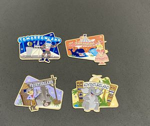 Disney Magnets Vintage classic lands late 90's for Sale in Bellflower, CA