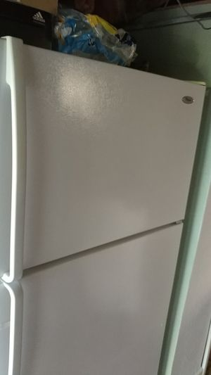 Whirlpool full size fridge beautiful condition for Sale in Pittsburgh, PA