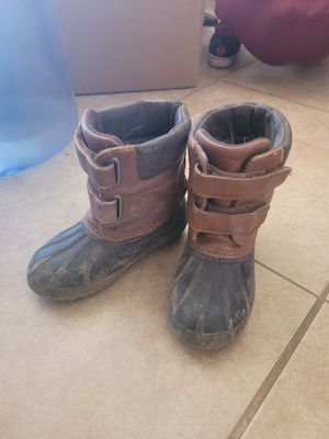 9t/10t toddler duck boots for Sale in Phoenix, AZ