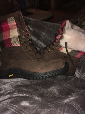 Burberry uggs for Sale in Columbus, OH