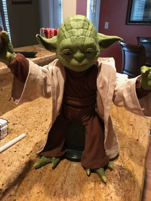 Disney Star Wars Legendary Master Yoda Interactive for Sale in Chesapeake, VA