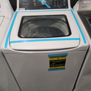Frigidaire Large Capacity Top-Load Washer With Agitator for Sale in Huntington Beach, CA
