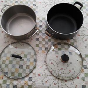 2 Ollas con tapa for Sale in Dallas, TX