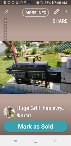 Huge backyard smoker grill paid 729.00 for Sale in Cleveland, OH