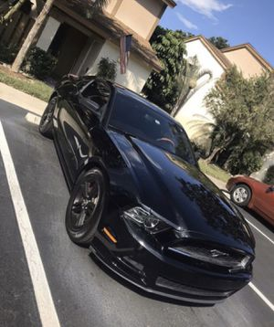 Ford Mustang 2014 automatic V6 for Sale in Coconut Creek, FL