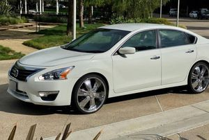 🙏Urgent for sale 2013 Nissan Altima 2WD/Wheelsss for Sale in Sacramento, CA