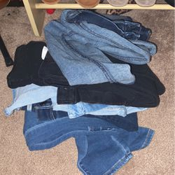 5 Jeans For The Price Of 2 for Sale in Marysville,  WA