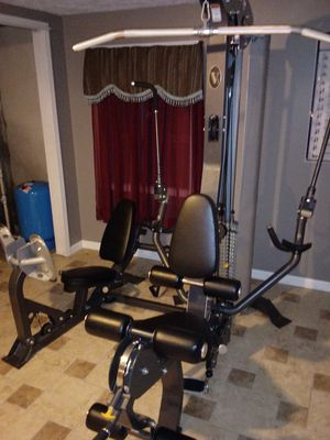 HOIST V3 home gym like new1200$ obo or possible trade for Sale in High Ridge, MO