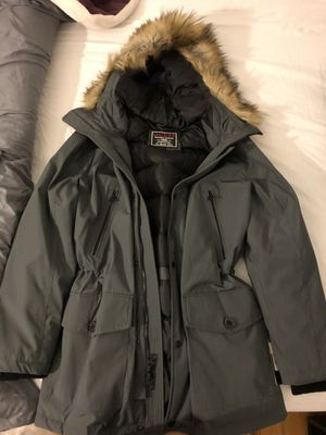 GUESS Parka Jacket Sz.M NEW! for Sale in Queens, NY