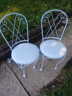 2 antique vintage chairs for Sale in Columbus, OH