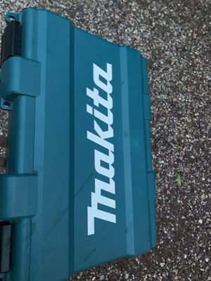 18v makita drill multi speed like new for Sale in Wallingford, CT