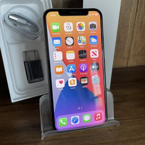 256gb Unlocked Silver iPhone X for Sale in Aurora, CO