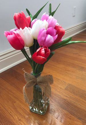 Beautiful Dry Tulip Decor Arrangement with glass vase - New for Sale in San Diego, CA