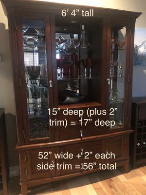 Curio Display Hutch Cabinet for Sale in Buckley, WA