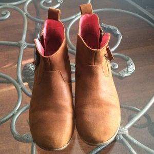 Cat & Jack junior girls ankle boots shoes brown sz 4 === $4 FIRM for Sale in Los Angeles, CA