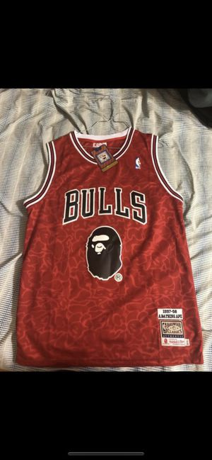 BAPE x MITCHELL and NESS jersey sz medium for Sale in Houston, TX
