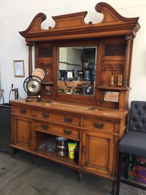 Stunning Antique Sidetable for Sale in Alameda, CA