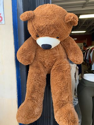 Giant Soft Teddy Bear for Sale in Los Angeles, CA
