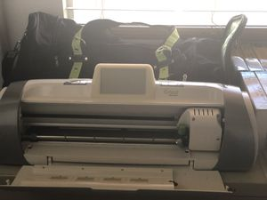 Cricut expression 2 w/cartridges for Sale in Las Vegas, NV
