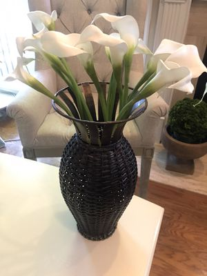 "Espresso Brown wicker and metal vase 14 3/4"" tall 7"" diameter for Sale in Franklin, TN"