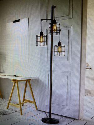 3 light floor lamp for Sale in Spring, TX