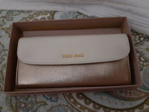 Miu miu wallet for Sale in Los Angeles, CA
