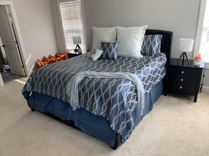 King Bedroom Set for Sale in Clayton, NC