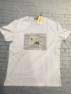 Men's T-shirt burberry white available size L for Sale in North Potomac, MD
