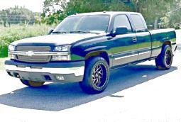 ֆ14OO 4WD CHEVY SILVERADO 4WD for Sale in Joshua Tree, CA
