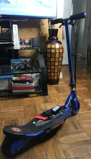 Razor electric scooter for Sale in Washington, DC