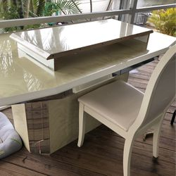 Free table, leaf and 4 Chairs. FCFS No Holds for Sale in Saint James City,  FL