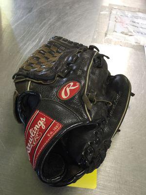 Rawlings Baseball Glove for Sale in Matawan, NJ