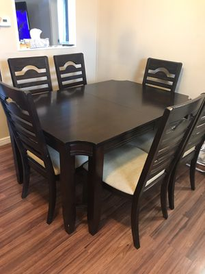 Dining table for Sale in Cornelius, OR