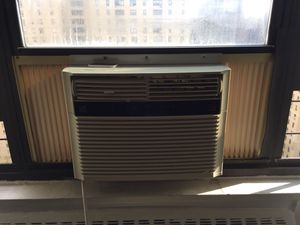 Kenmore Air Conditioner 12,000 BTU for Sale in New York, NY