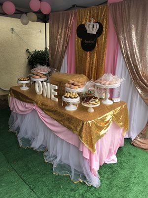 Dessert table candy backdrop balloons garland for Sale in Garden Grove, CA