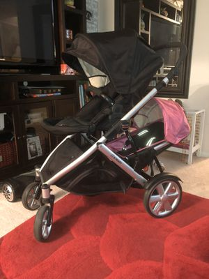 Doble stroller Britax for Sale in Annandale, VA