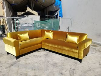 NEW 7X9FT VELVET GOLD FABRIC SECTIONAL COUCHES for Sale in E RNCHO DMNGZ,  CA