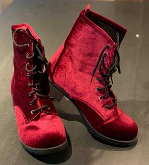 Women's Boots Size S 6/7 for Sale in Brooklyn, NY