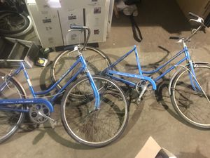 2 vintage schwinn bikes breeze collegiate for Sale in Cleveland, OH