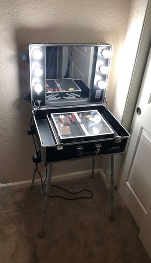 Make up vanity for Sale in Mesa, AZ
