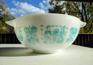 Vtg Pyrex Amish Butterprint Mixing Bowl for Sale in Monroeville, PA