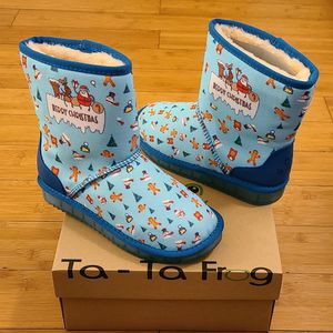 Snow And Rain Boots Size 4y For Kids. for Sale in Compton, CA