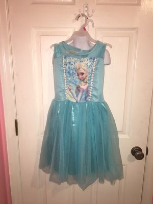Elsa dress size 5 for Sale in Davenport, FL