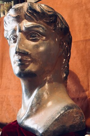 Gorgeous large impressive ceramic sculpture - Roman bust and pot H18xW13xD12 inch for Sale in Sun Lakes, AZ